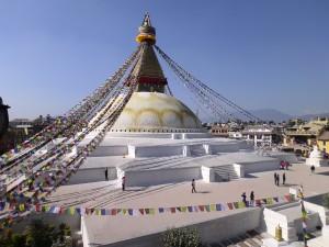 Boudha Stupa, frisch gestrichen